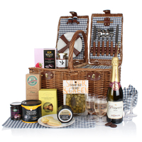 Food Hampers|Gifts  - Luxury Picnic Hamper