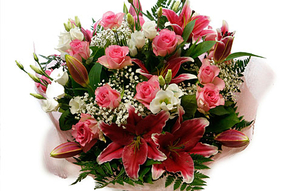 Floral Decoration  - Enchanting Roses and Lilies