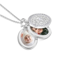 Clothing & Accessories  - Triple Pendant Locket