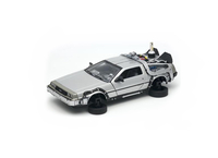 De Lorean DMC 12 Flying version from Back To The Future in Silver (1:24 scale by Welly 22441FVW)