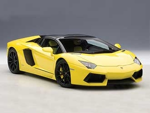 Lamborghini Aventador LP700-4 Roadster (2013) Diecast Model Car