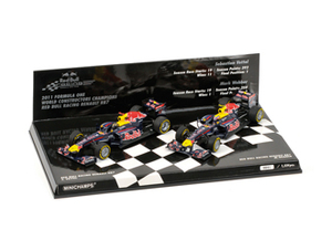 Red Bull Renault RB7 2 Car Set (Sebastian Vettel,  Mark Webber - Constructor World Champion 2011) Model Car Set