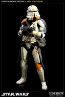 Collectibles & Rare Objects  - Utapau Airborne Trooper Figure