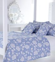 Bedding|Nightshirts & Nightgowns  - Venetia Quilt