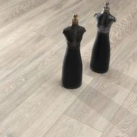 Flooring & Carpeting  - Krono Original Super Natural Classic 8mm Colorado Oak